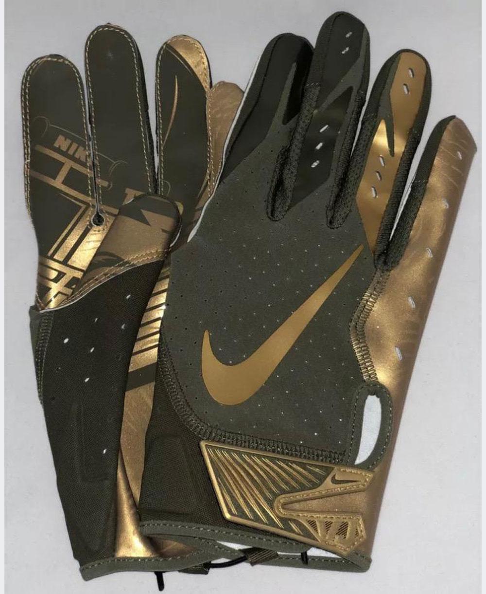 Vapor Jet 5 Men's Football Gloves Medium Olive/Metallic Gold
